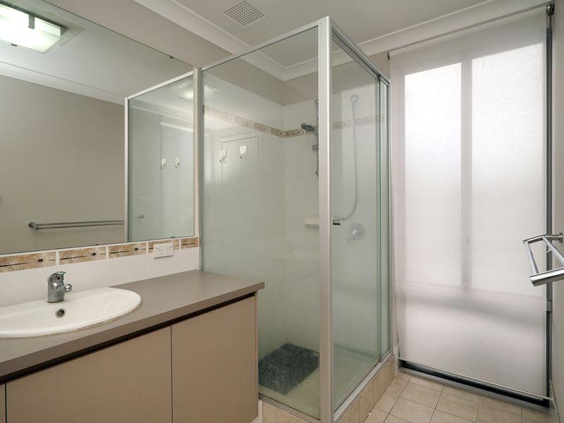 https://propertyphotos.vaultre.com.au/835/771330__reaimport-1568687569-348359-30016.jpg