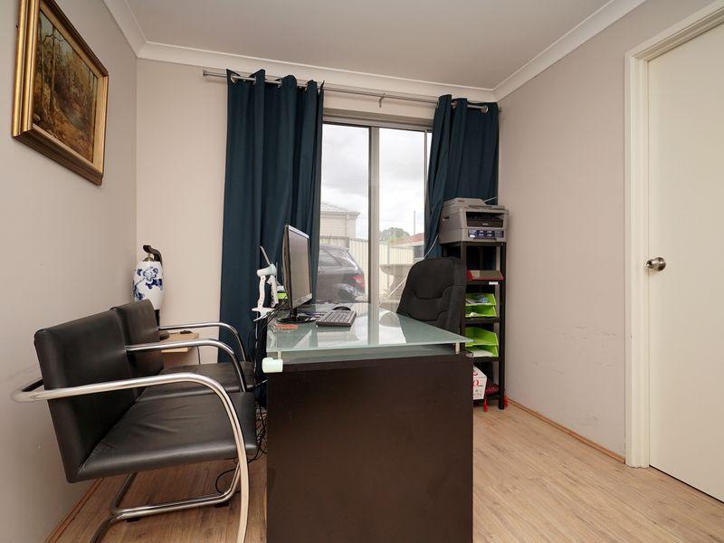 https://propertyphotos.vaultre.com.au/835/771337__reaimport-1568687572-348359-30016.jpg