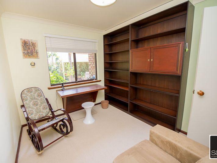 https://propertyphotos.vaultre.com.au/835/771685__reaimport-1568687671-348382-30039.jpg