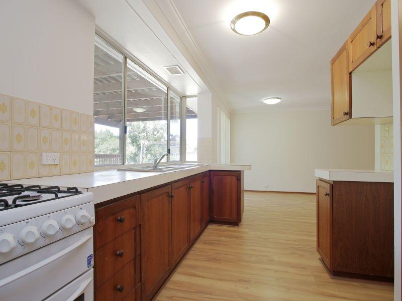 https://propertyphotos.vaultre.com.au/835/771872__reaimport-1568687726-348396-30052.jpg