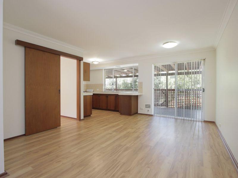 https://propertyphotos.vaultre.com.au/835/771874__reaimport-1568687727-348396-30052.jpg