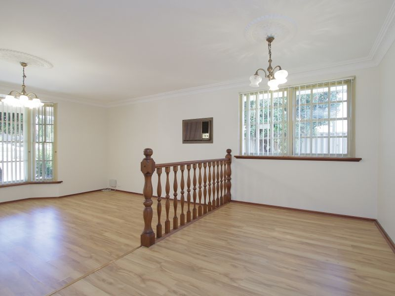https://propertyphotos.vaultre.com.au/835/771880__reaimport-1568687728-348396-30052.jpg