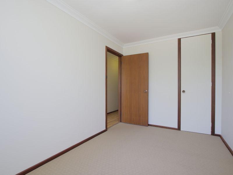 https://propertyphotos.vaultre.com.au/835/771890__reaimport-1568687732-348396-30052.jpg
