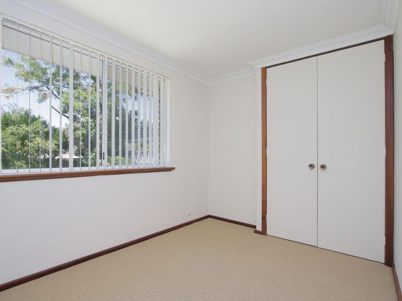 https://propertyphotos.vaultre.com.au/835/771893__reaimport-1568687733-348396-30052.jpg