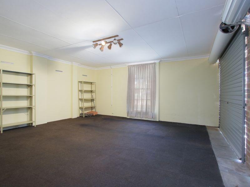 https://propertyphotos.vaultre.com.au/835/771895__reaimport-1568687733-348396-30052.jpg