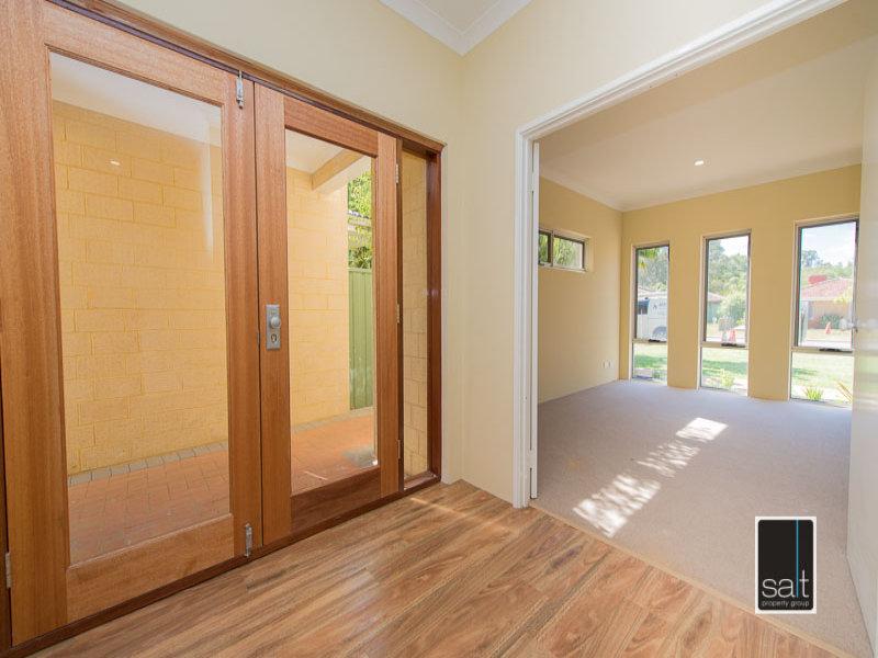 https://propertyphotos.vaultre.com.au/835/772053__reaimport-1568687780-348408-30064.jpg