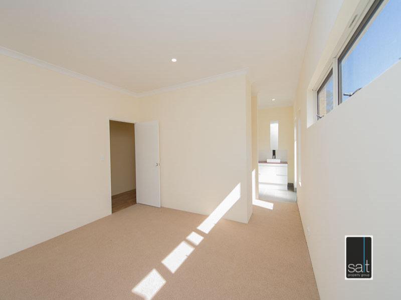 https://propertyphotos.vaultre.com.au/835/772056__reaimport-1568687780-348408-30064.jpg