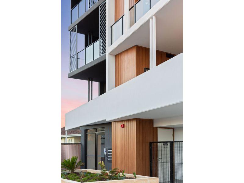 https://propertyphotos.vaultre.com.au/835/775464__reaimport-1568688832-348691-442565.jpg