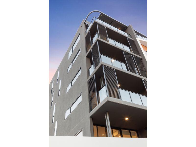 https://propertyphotos.vaultre.com.au/835/775466__reaimport-1568688833-348691-442565.jpg