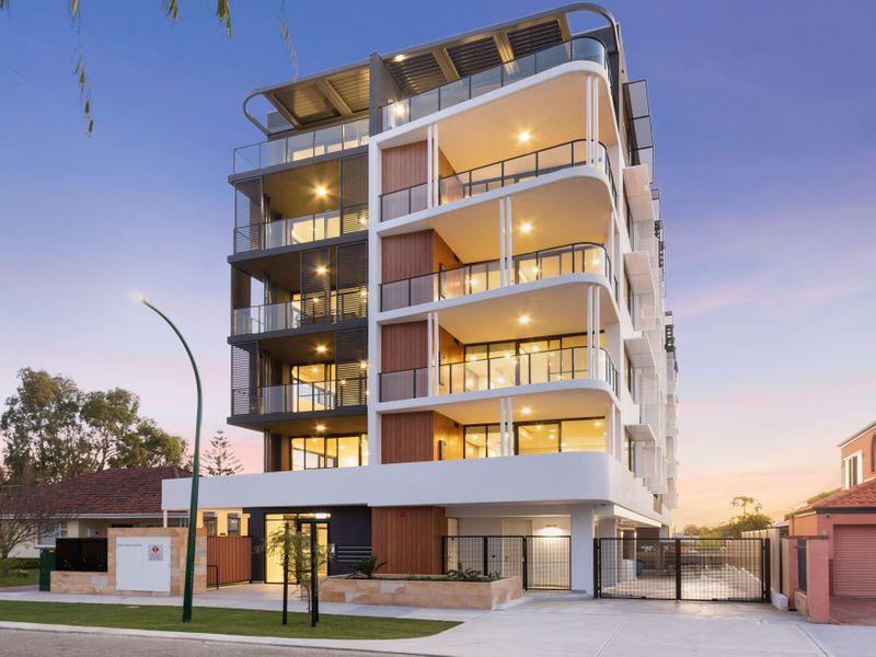 https://propertyphotos.vaultre.com.au/835/775467__reaimport-1568688834-348691-442565.jpg
