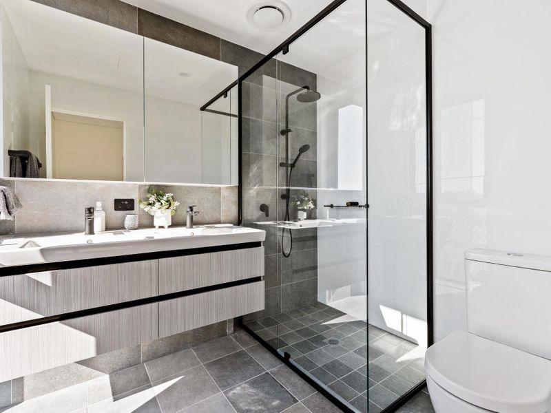 https://propertyphotos.vaultre.com.au/835/775476__reaimport-1568688837-348691-442565.jpg
