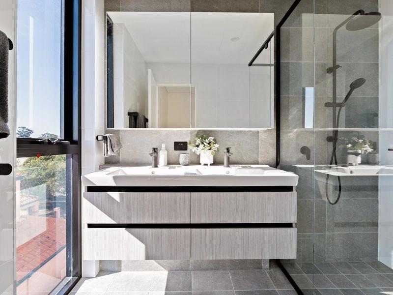 https://propertyphotos.vaultre.com.au/835/775477__reaimport-1568688837-348691-442565.jpg