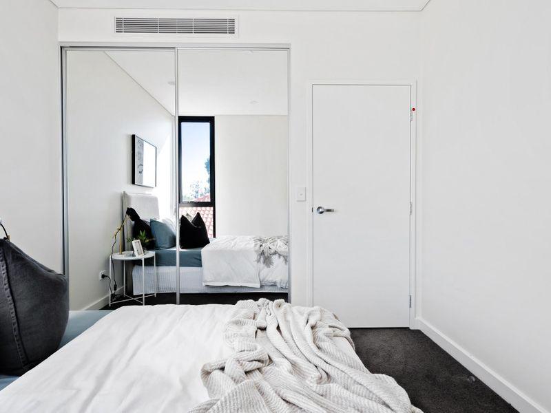 https://propertyphotos.vaultre.com.au/835/775480__reaimport-1568688839-348691-442565.jpg