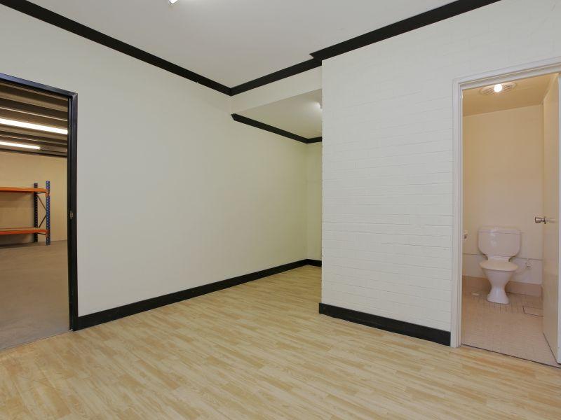 https://propertyphotos.vaultre.com.au/835/781013__reaimport-1568690305-349086-442961.jpg