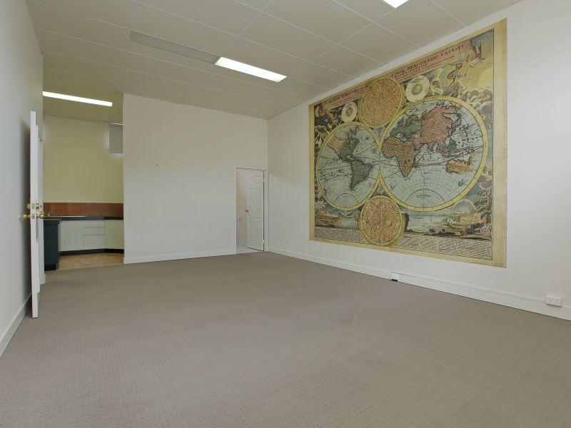 https://propertyphotos.vaultre.com.au/835/781017__reaimport-1568690306-349086-442961.jpg