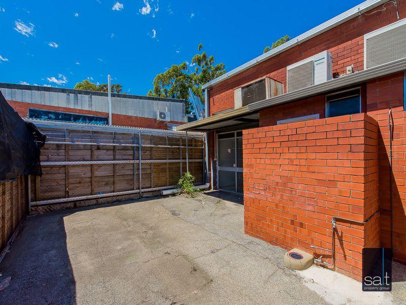 https://propertyphotos.vaultre.com.au/835/781128__reaimport-1568690346-349096-442971.jpg