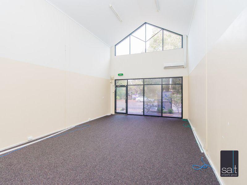https://propertyphotos.vaultre.com.au/835/782707__reaimport-1568690778-349353-443226.jpg