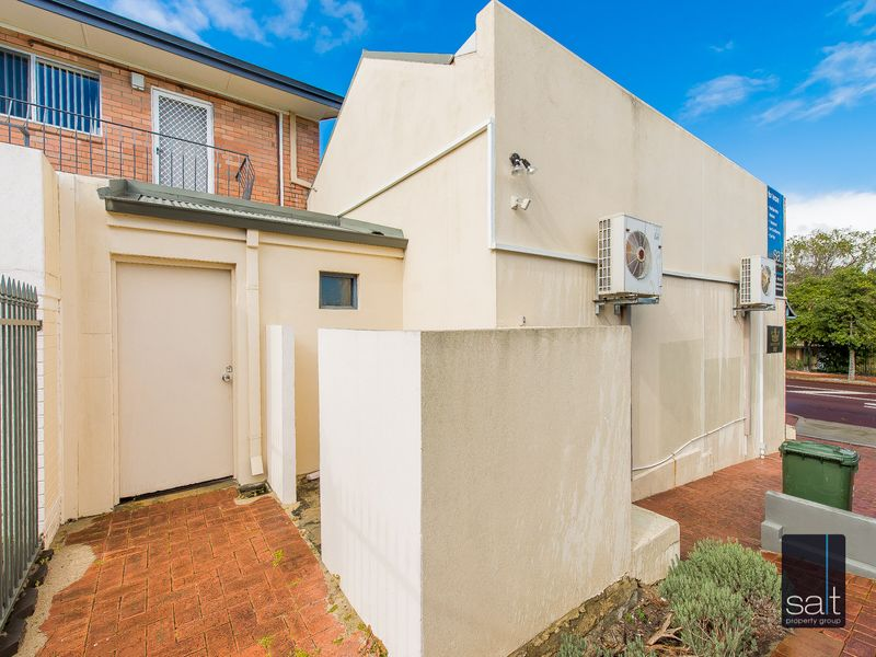 https://propertyphotos.vaultre.com.au/835/782709__reaimport-1568690779-349353-443226.jpg