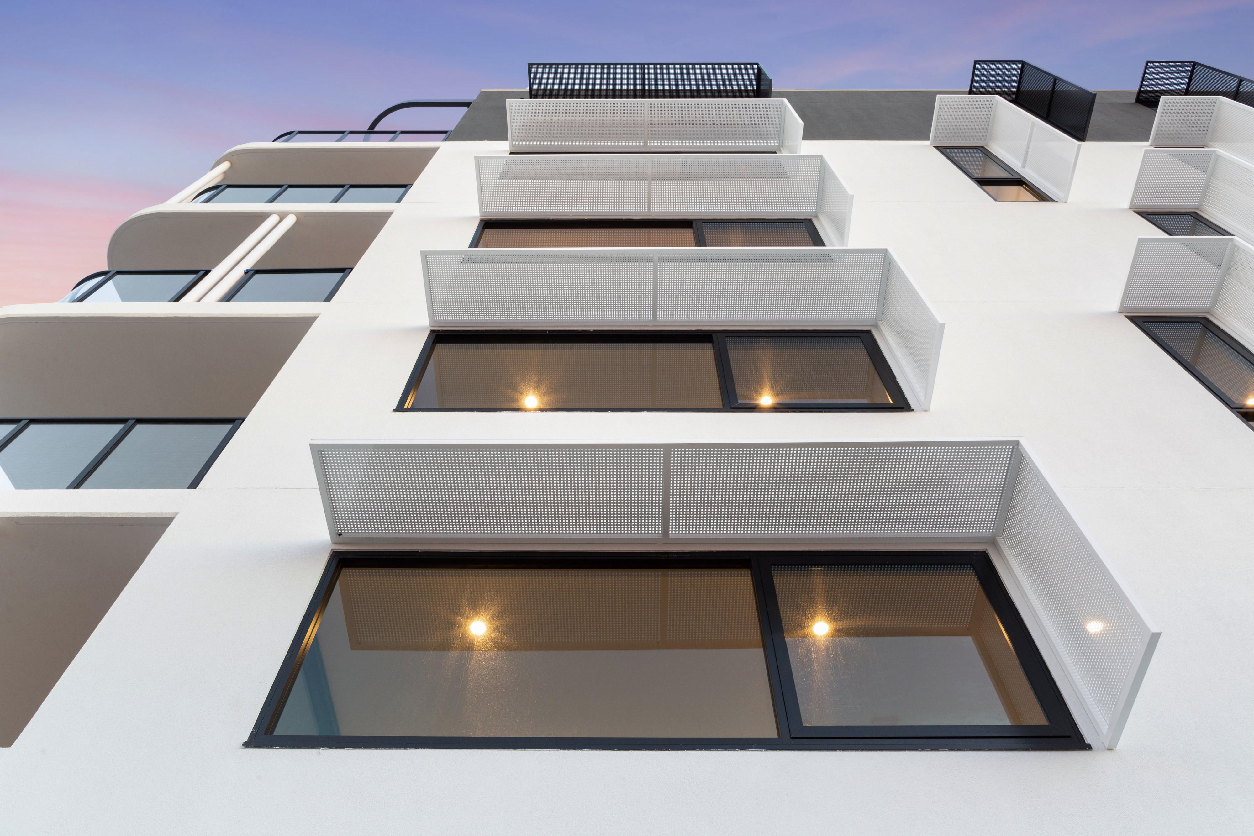 https://propertyphotos.vaultre.com.au/835/783371__1568705407-21421-PRINT87RobertsStreetComo32.jpg