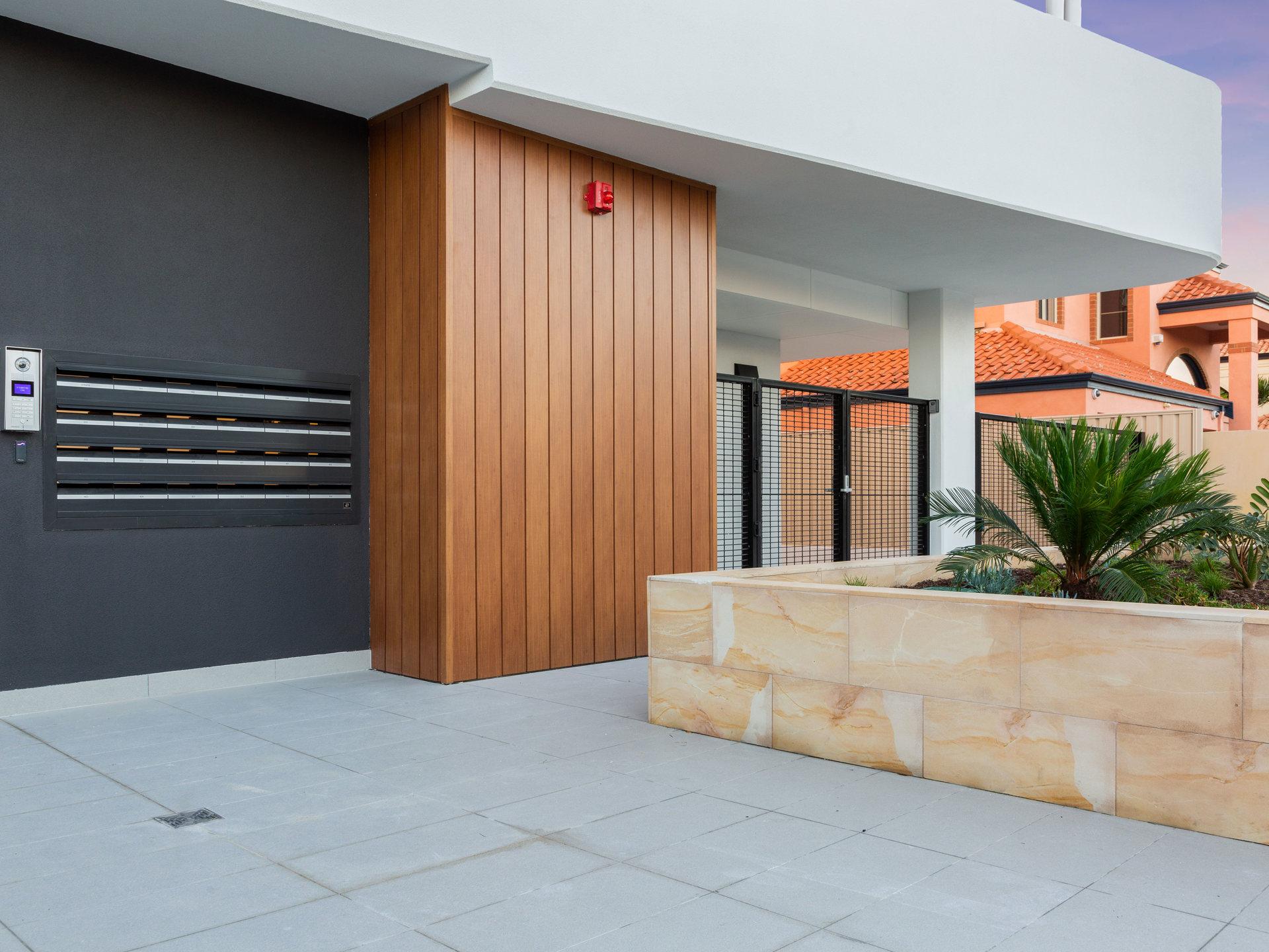 https://propertyphotos.vaultre.com.au/835/783379__1568705474-30353-WEB87RobertsStreetComo20.jpg