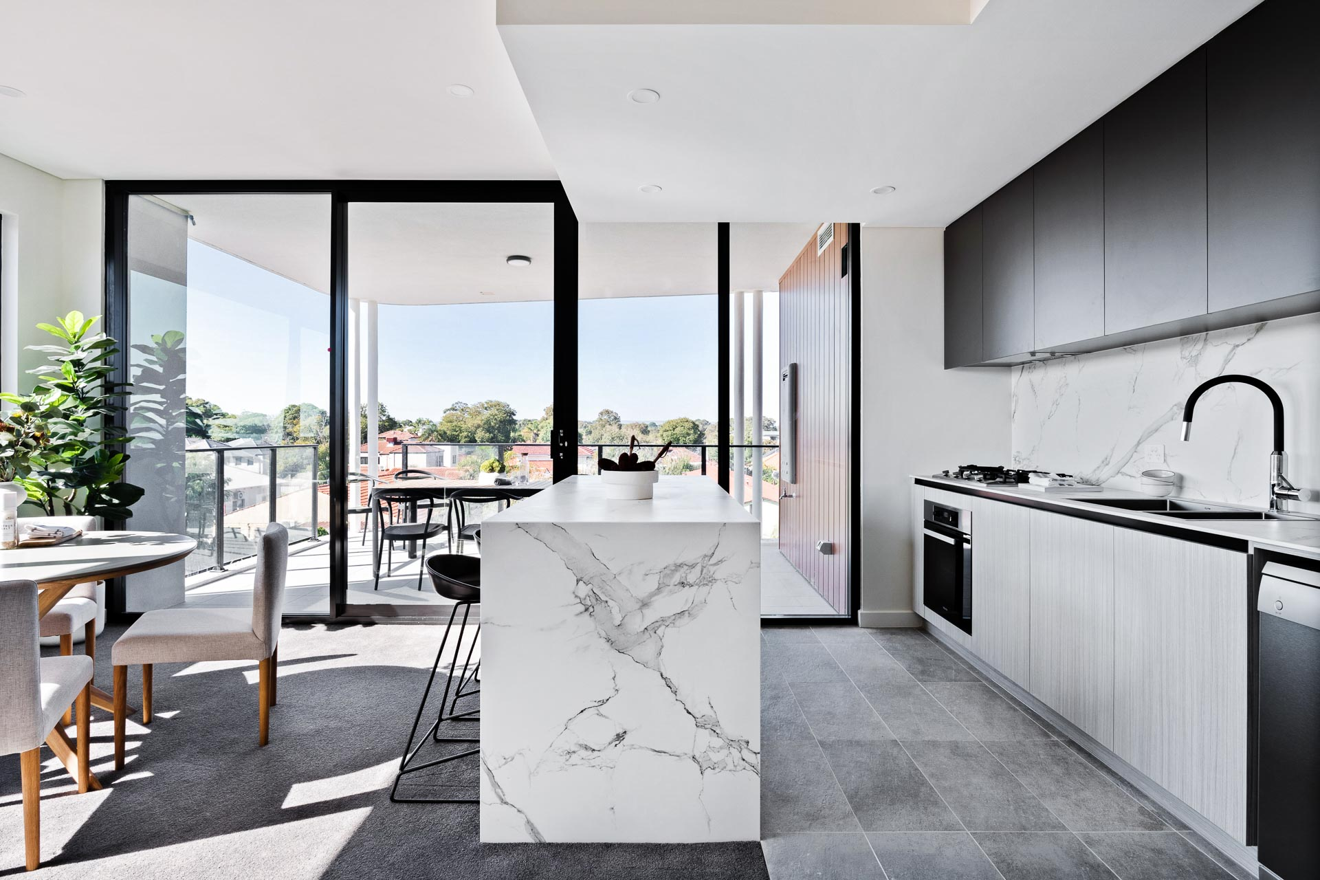 https://propertyphotos.vaultre.com.au/835/783460__1568706510-16268-WEBEditionApartments20.jpg