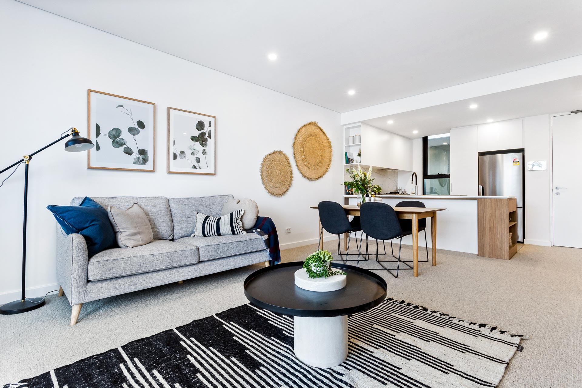 https://propertyphotos.vaultre.com.au/835/783499__1568707917-2705-WEB57CarringtonStPalmyra24.jpg