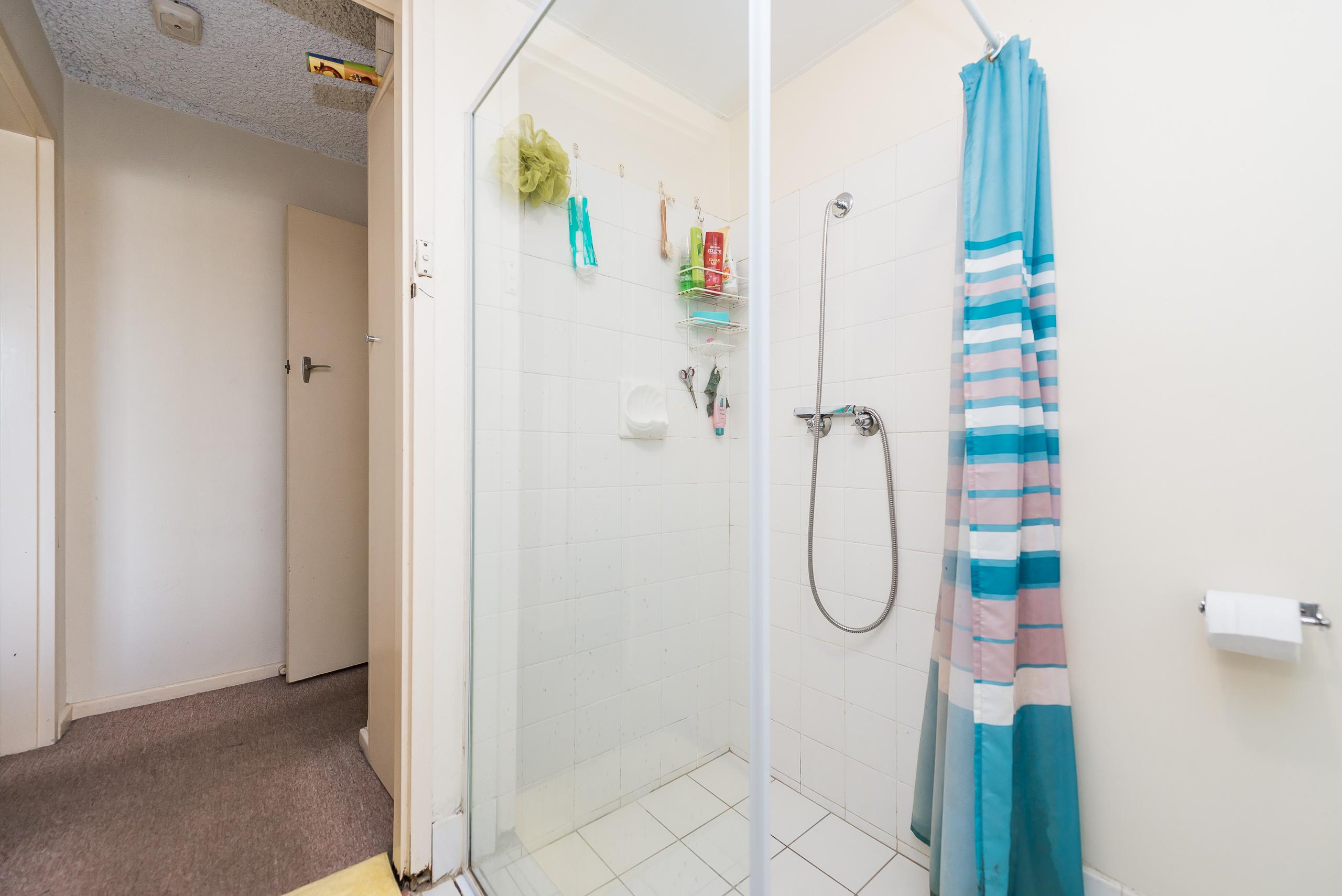 https://propertyphotos.vaultre.com.au/835/786588__1568947639-31043-2839CanningHwyApplecross-11.jpg