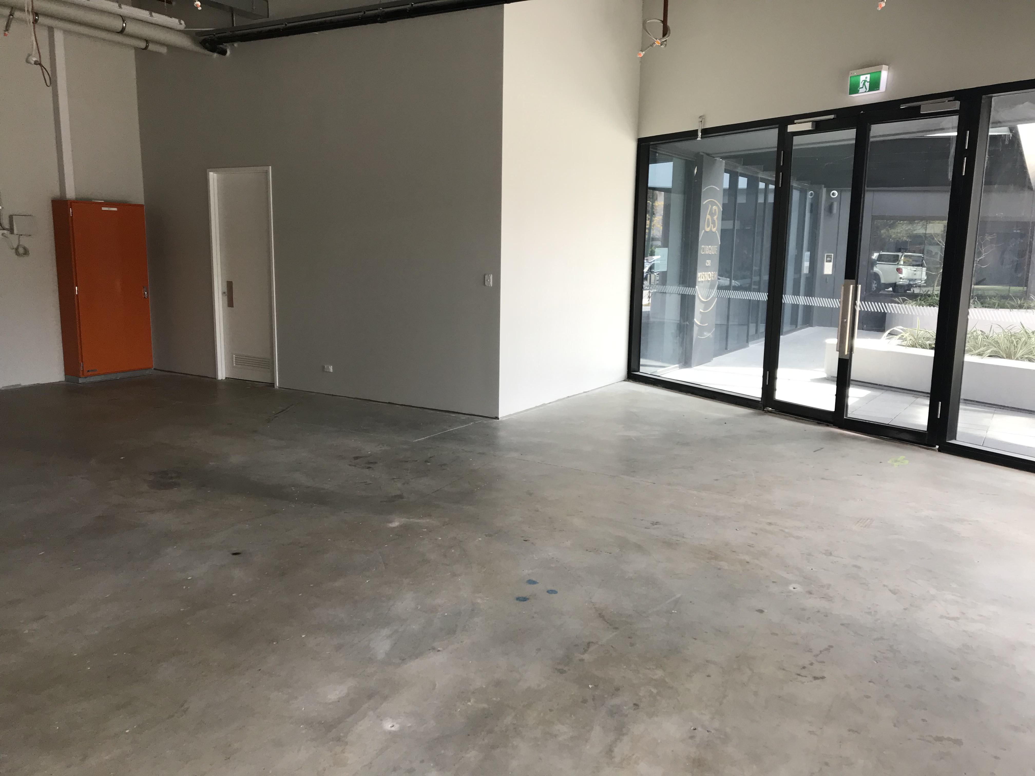 https://propertyphotos.vaultre.com.au/835/832745__1569215242-5953-IMG0408.jpg