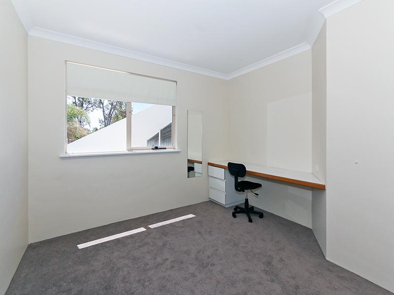https://propertyphotos.vaultre.com.au/835/8366279__1592806089-30493-img8571.JPG