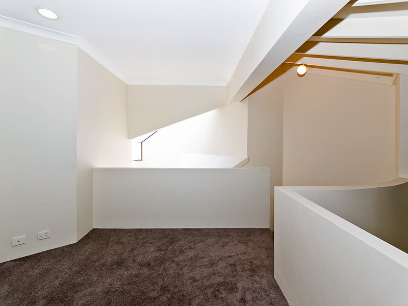 https://propertyphotos.vaultre.com.au/835/8366280__1592806091-24779-img8572.JPG