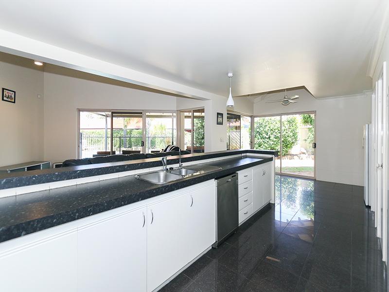https://propertyphotos.vaultre.com.au/835/8366299__1592806110-24867-IMG85967.JPG