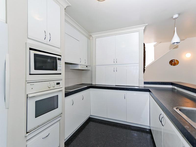 https://propertyphotos.vaultre.com.au/835/8366301__1592806112-12606-img8597.JPG