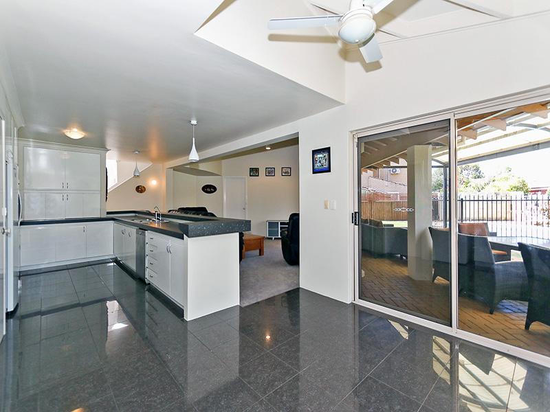 https://propertyphotos.vaultre.com.au/835/8366306__1592806117-12625-img8603.JPG