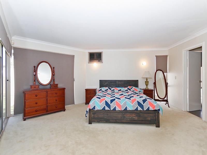 https://propertyphotos.vaultre.com.au/835/8366309__1592806120-24902-IMG8610.JPG
