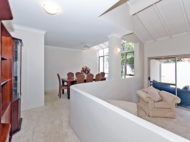 https://propertyphotos.vaultre.com.au/835/8366315__1592806126-30644-IMG8614.JPG