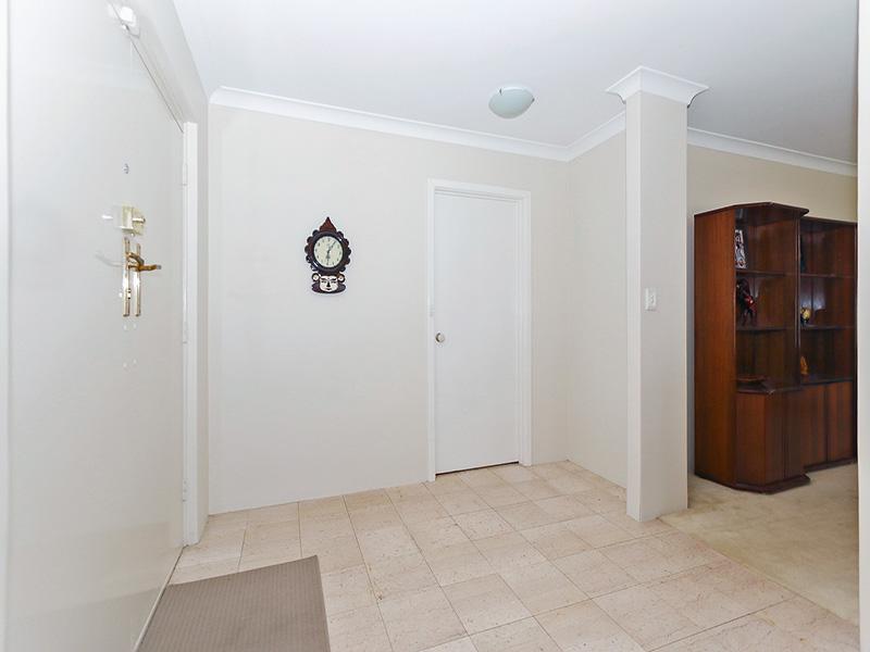https://propertyphotos.vaultre.com.au/835/8366316__1592806127-24928-img8615.JPG