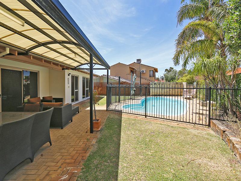 https://propertyphotos.vaultre.com.au/835/8366434__1592807099-13181-img8549.JPG