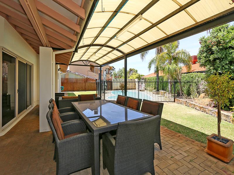 https://propertyphotos.vaultre.com.au/835/8366442__1592807107-8880-IMG8557.JPG