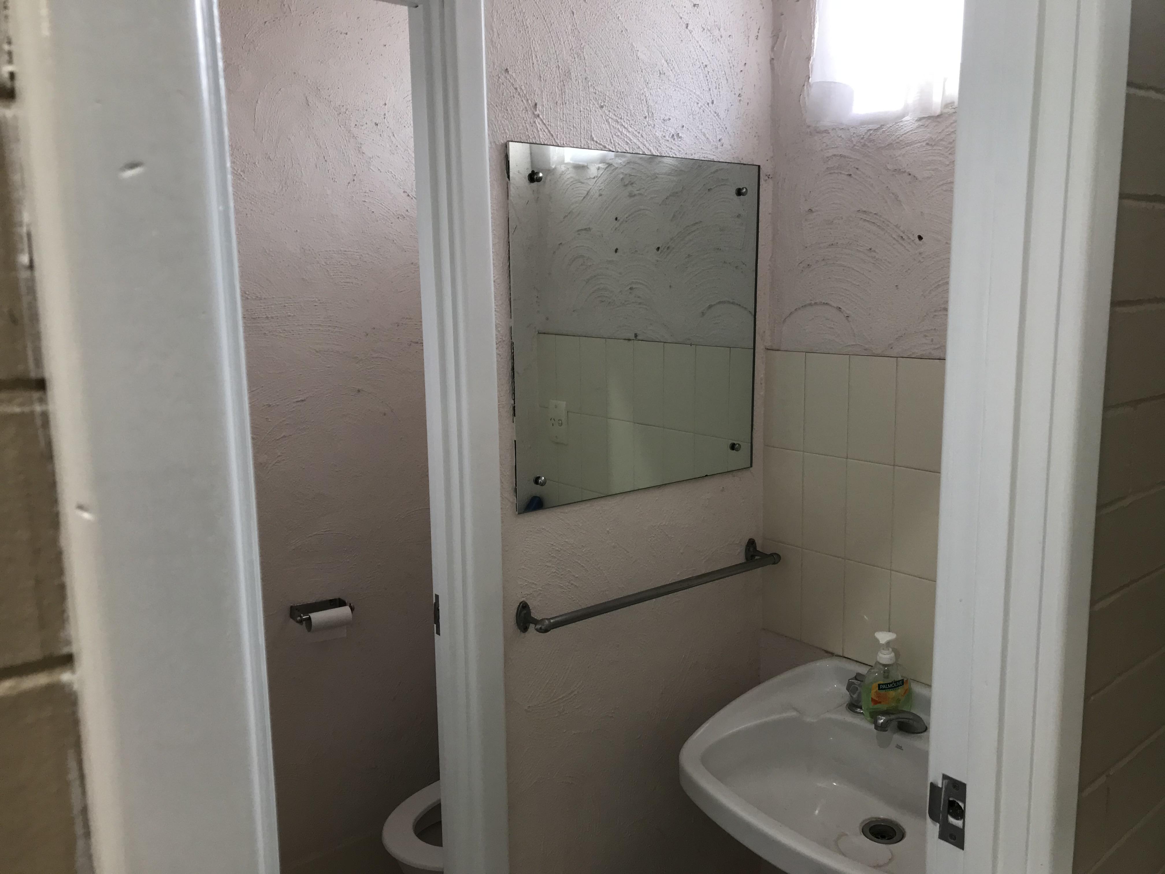 https://propertyphotos.vaultre.com.au/835/8632791__1593055474-5825-IMG1643.jpg